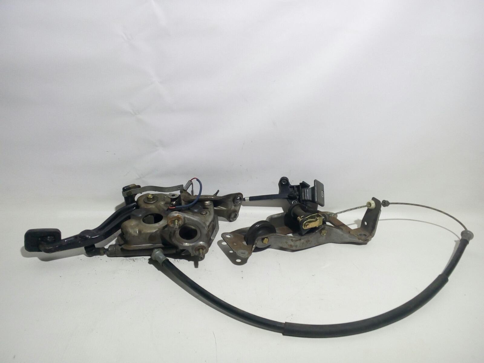 Педаль ручника Toyota Camry Prominet VZV32 4VZ-FE 1992