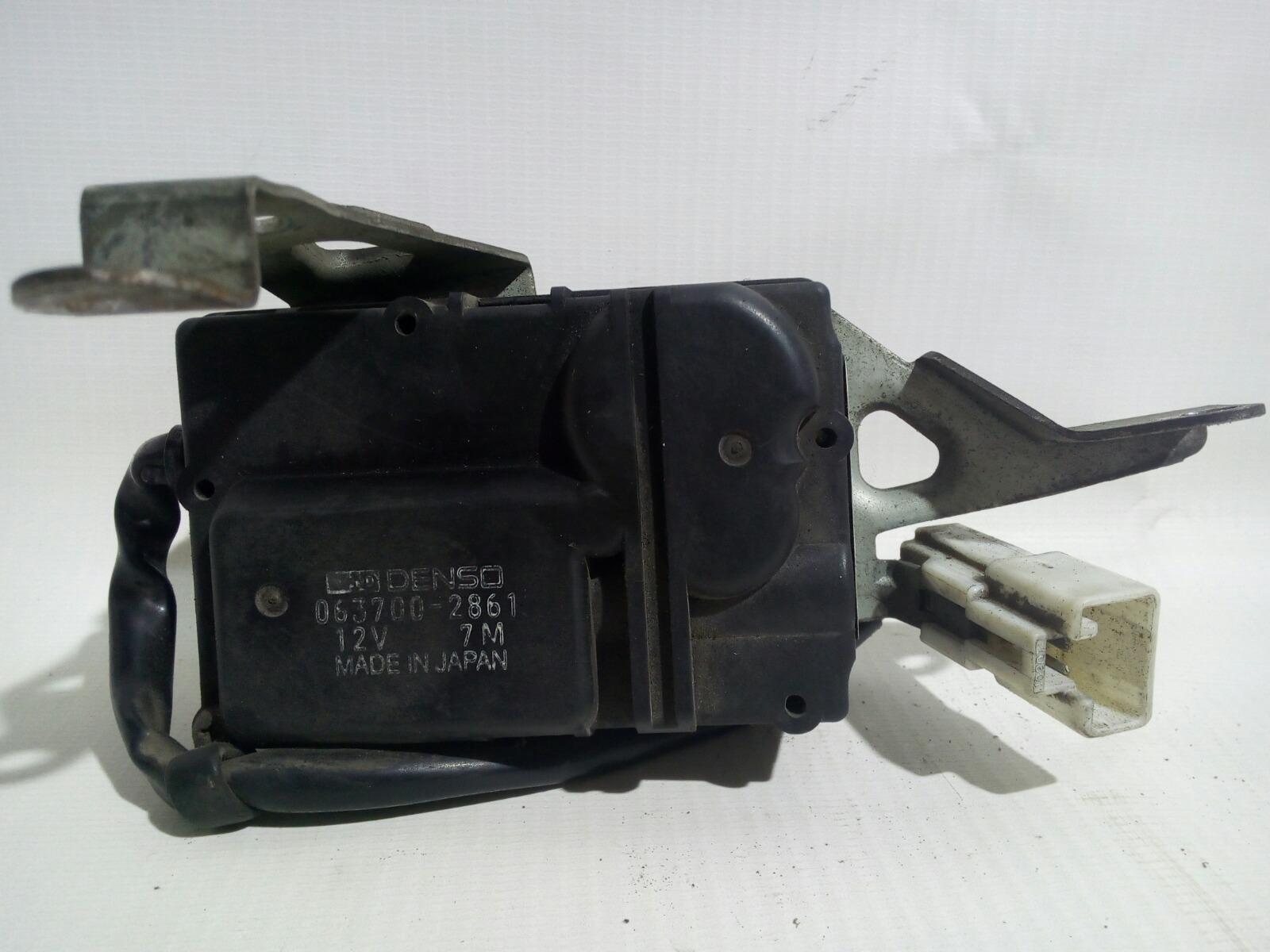Сервопривод заслонок печки Toyota Camry Prominet VZV32 4VZ-FE 1992