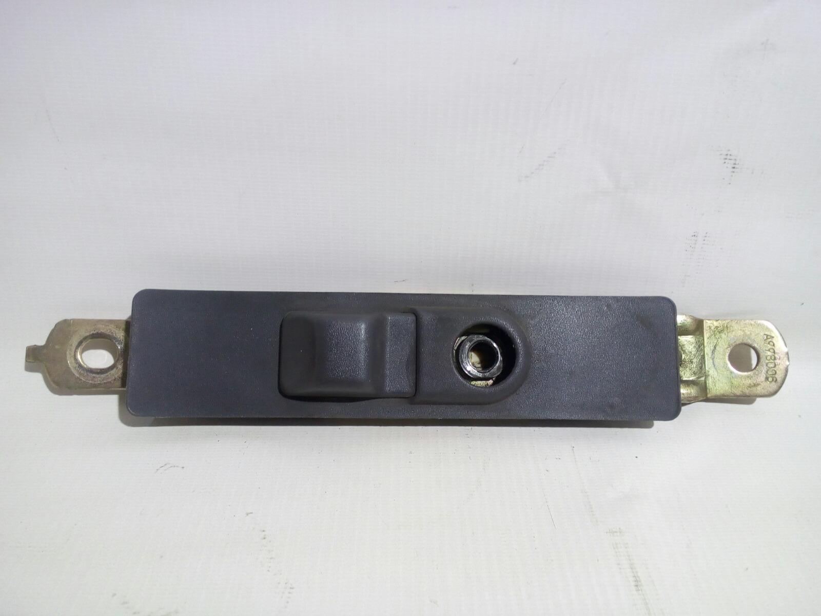 Механизм регулировки ремня безопасности Toyota Camry Prominet VZV32 4VZ-FE 1992 передний левый