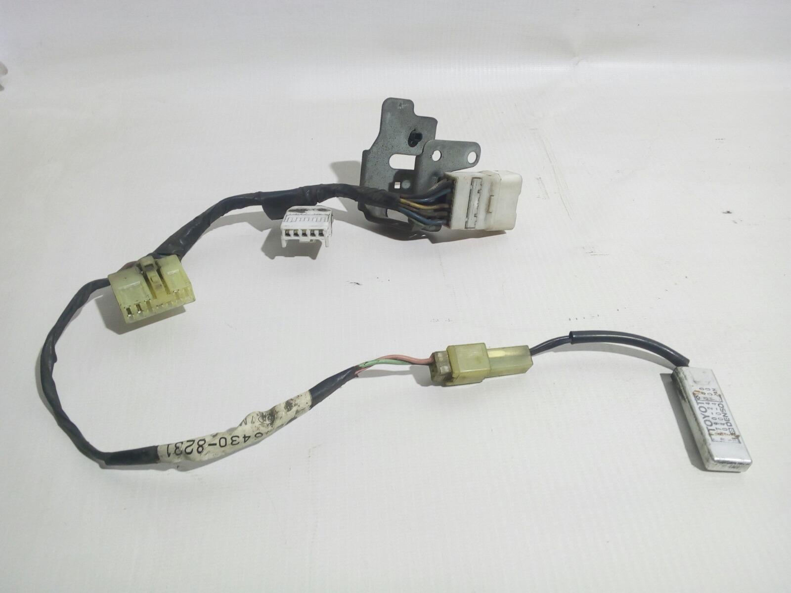 Датчик температуры Toyota Camry Prominet VZV32 4VZ-FE 1992