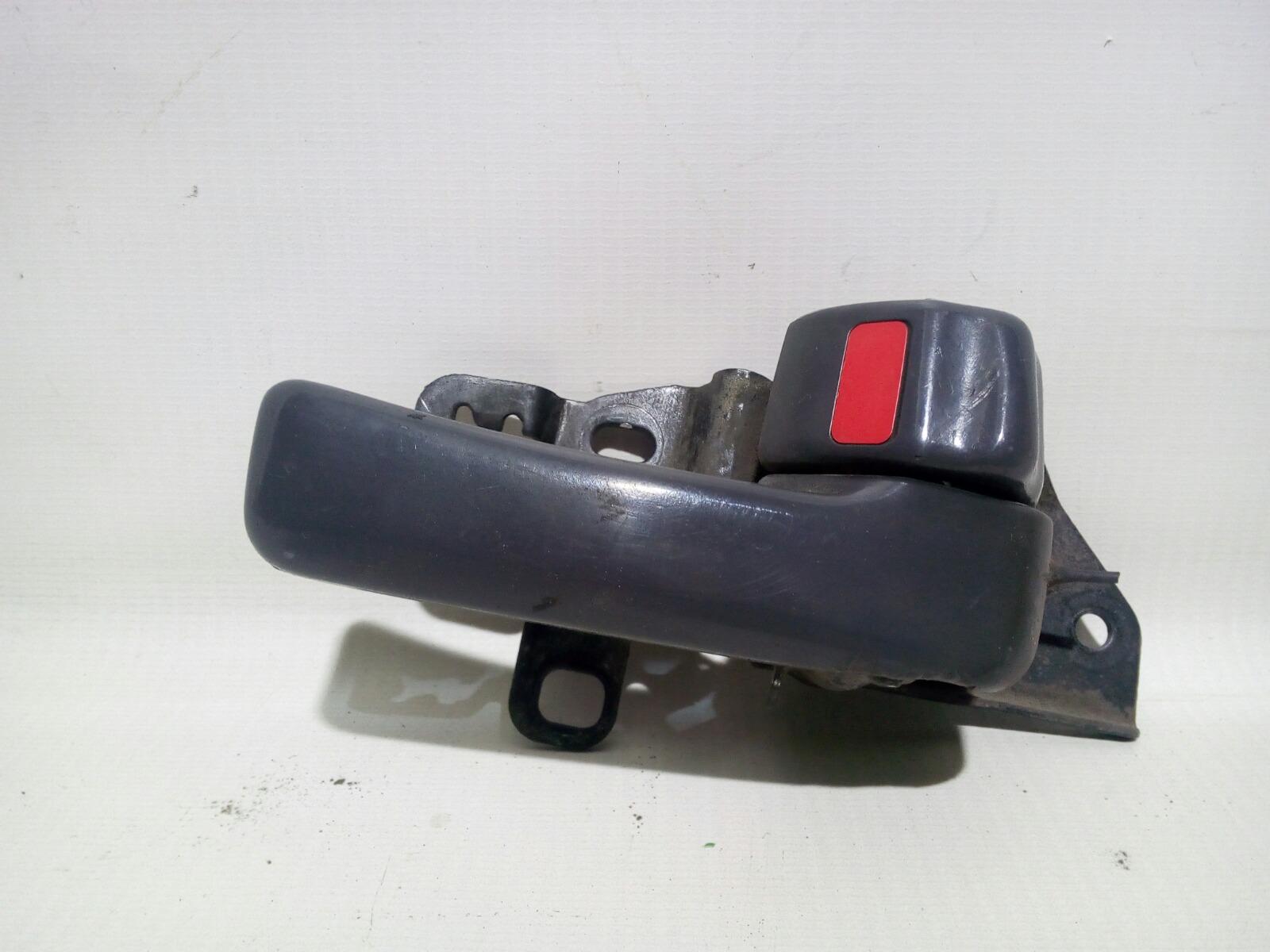Ручка двери внутренняя Toyota Camry Prominet VZV32 4VZ-FE 1992 задняя правая