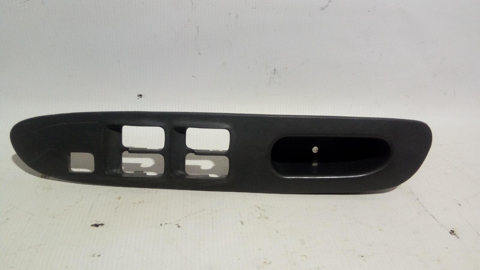 Накладка блока управления стеклоподъемниками Mitsubishi Lancer Evolution CP9A 4G63T 1998 передняя правая