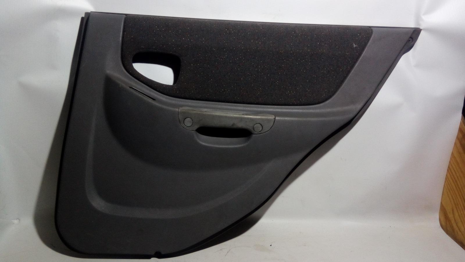 Обшивка двери Hyundai Accent LC2 G4ECG 2000 задняя правая