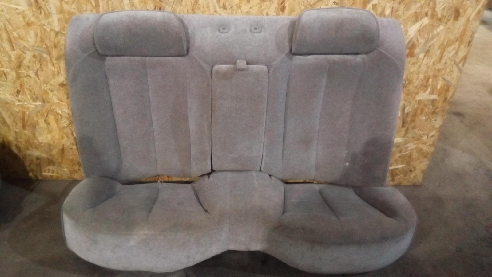 Сиденье Nissan Gloria MY34 VQ25DD 1999 заднее