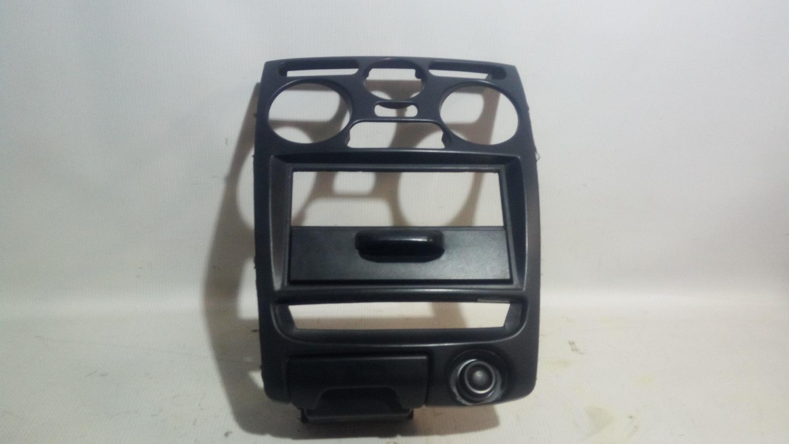 Рамка магнитолы Mitsubishi Carisma DA1A 4G92 1997