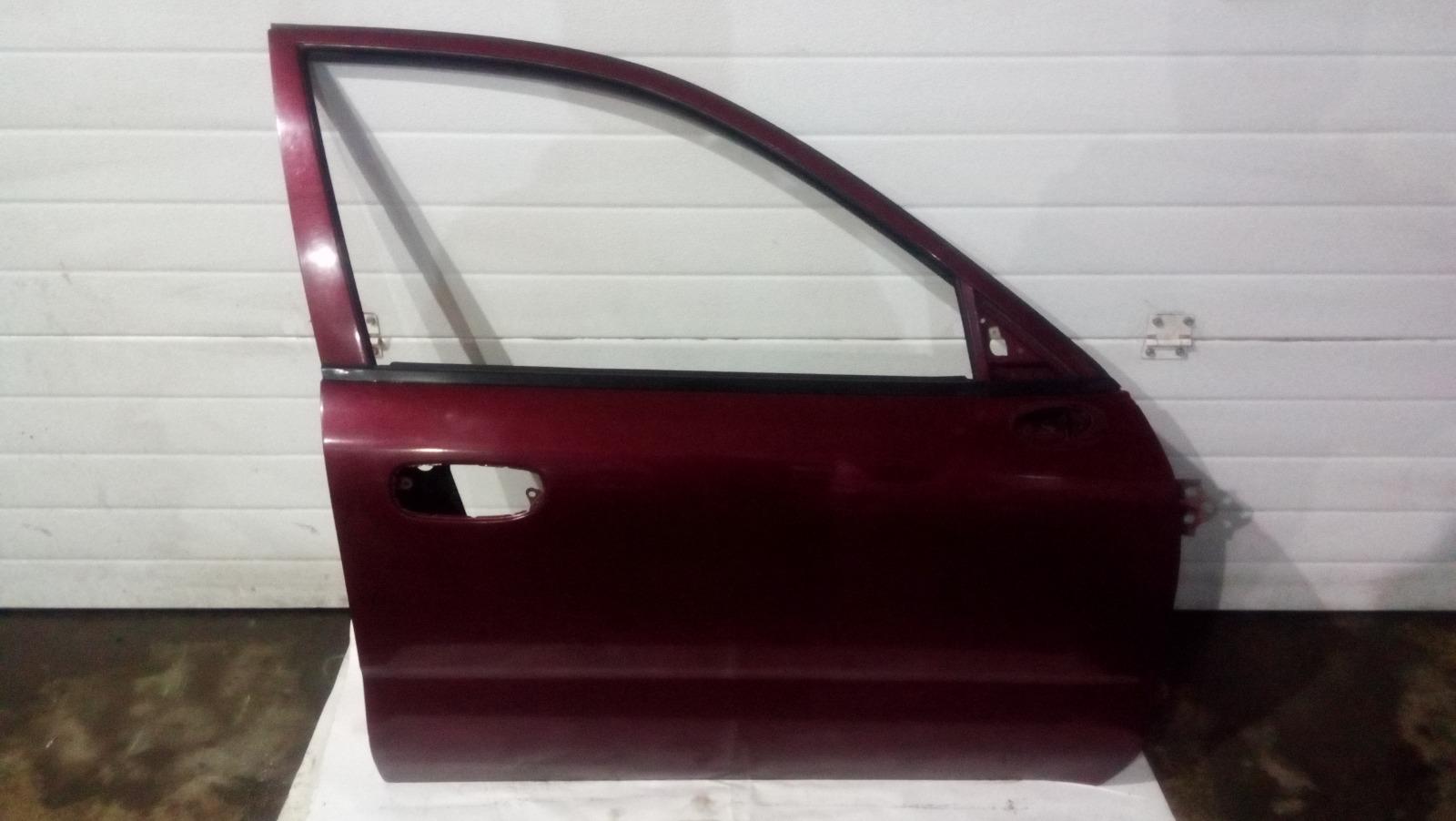 Дверь Mitsubishi Carisma DA1A 4G92 1997 передняя правая