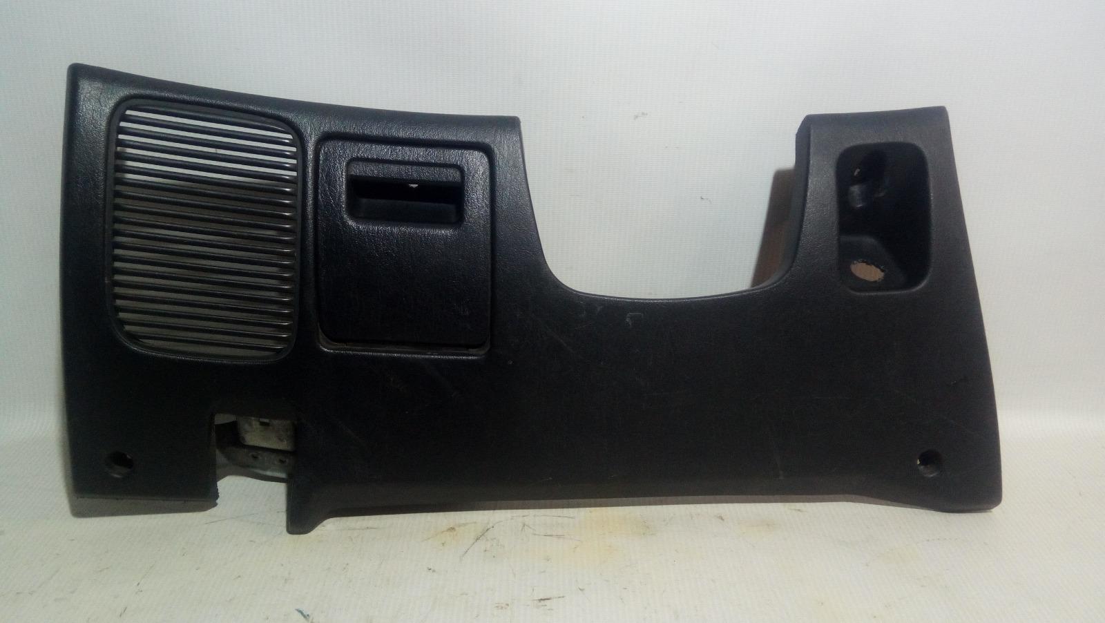 Накладка под рулем Mitsubishi Carisma DA1A 4G92 1997
