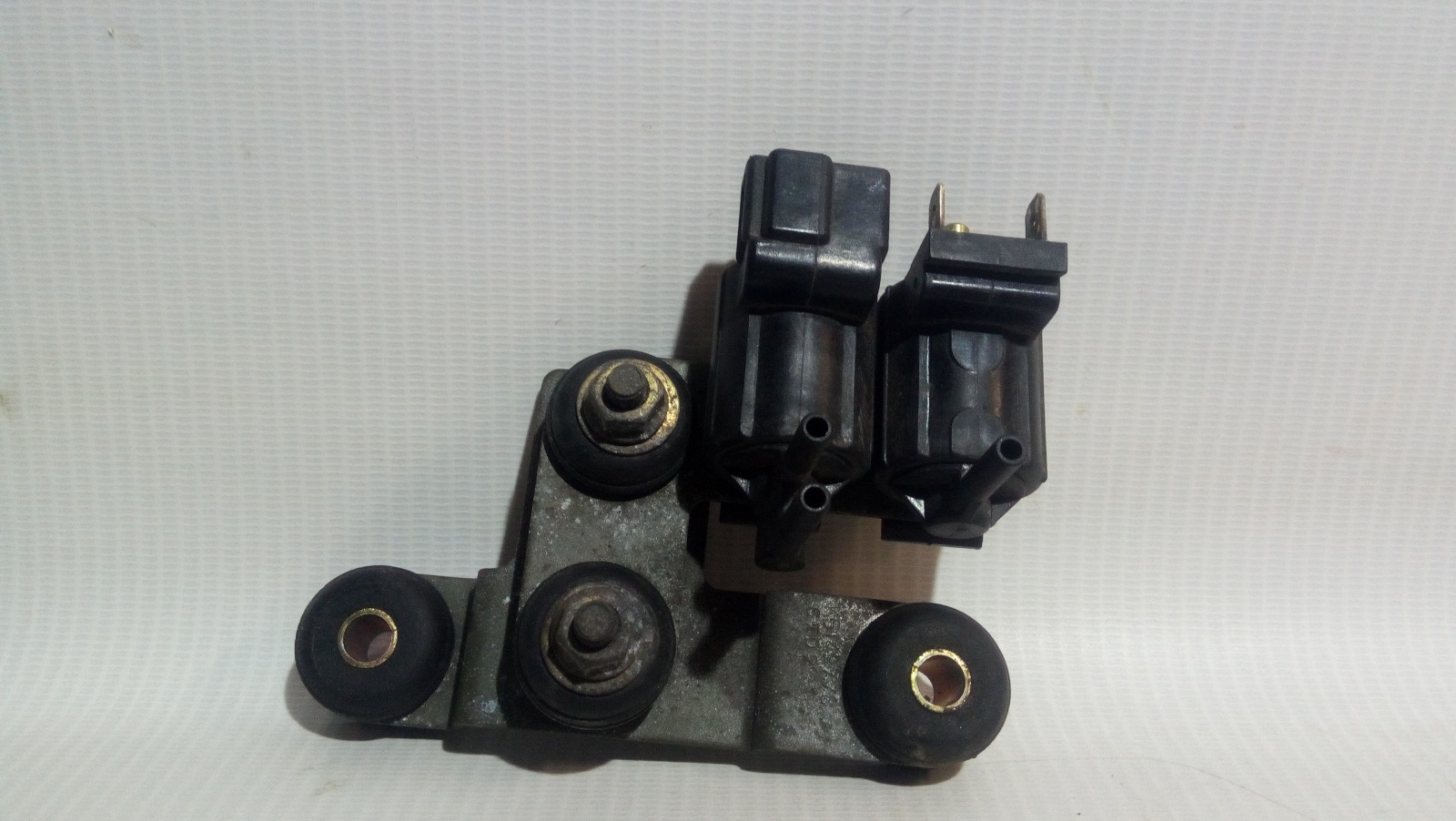 Клапан электромагнитный Mitsubishi Carisma DA1A 4G92 1997