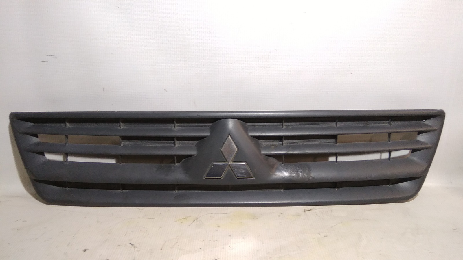 Решетка радиатора Mitsubishi Lancer CS2V 4G15 2003