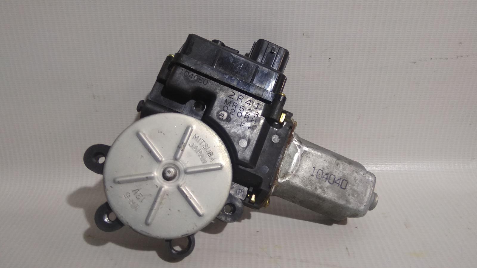 Моторчик стеклоподъемника Mitsubishi Lancer Cedia CS5W 4G93 2002 передний правый