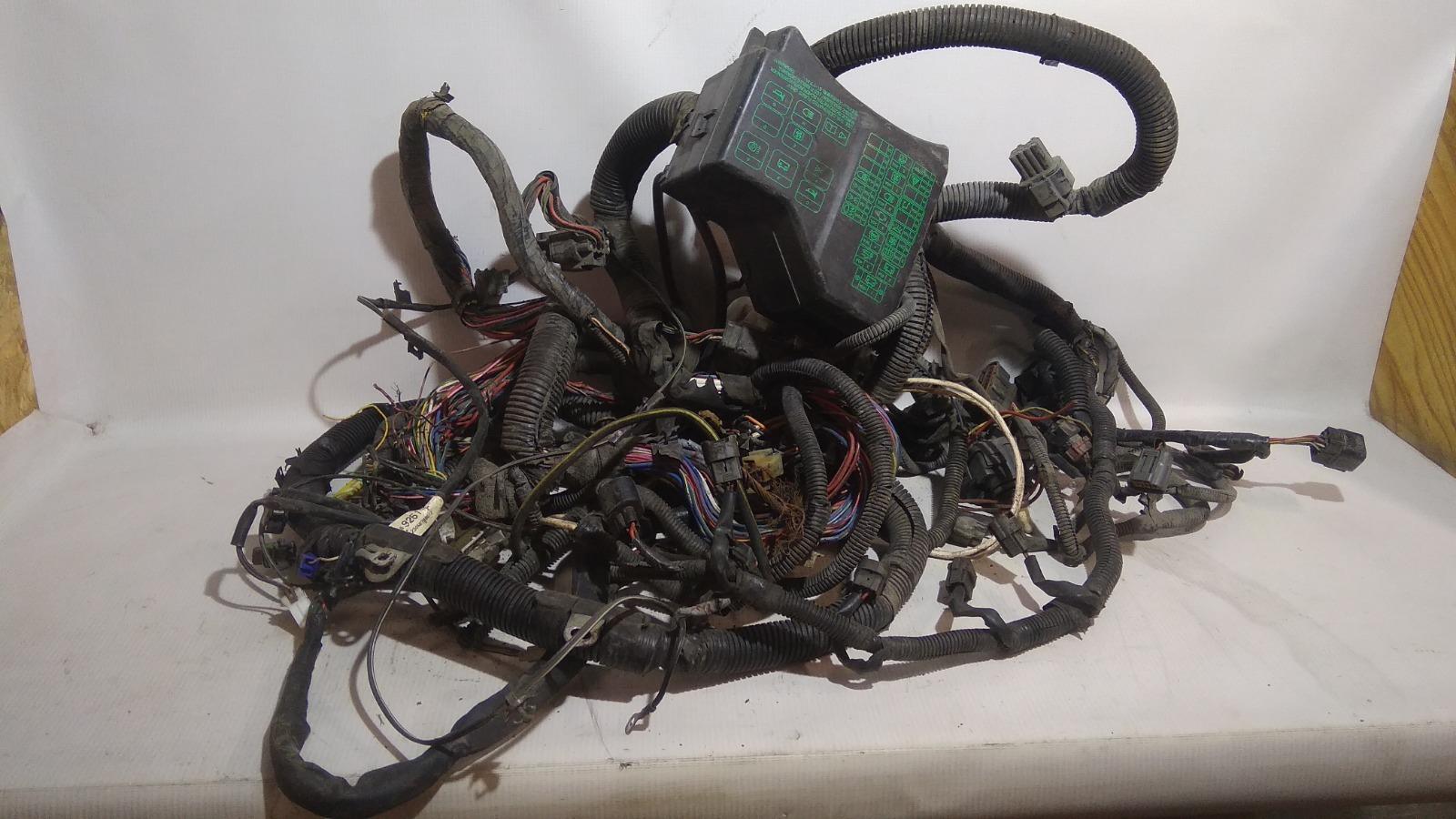 Проводка (коса) подкапотная Mitsubishi Carisma DA1A 4G92 1997