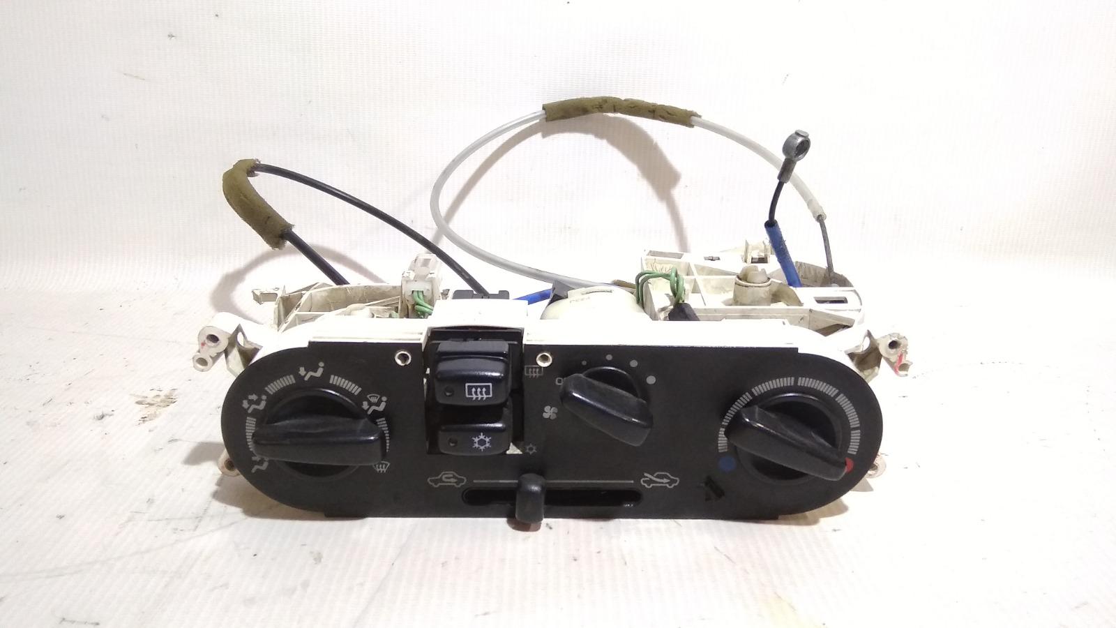 Блок управления климат-контролем Mitsubishi Lancer CK2A 4G15 1999