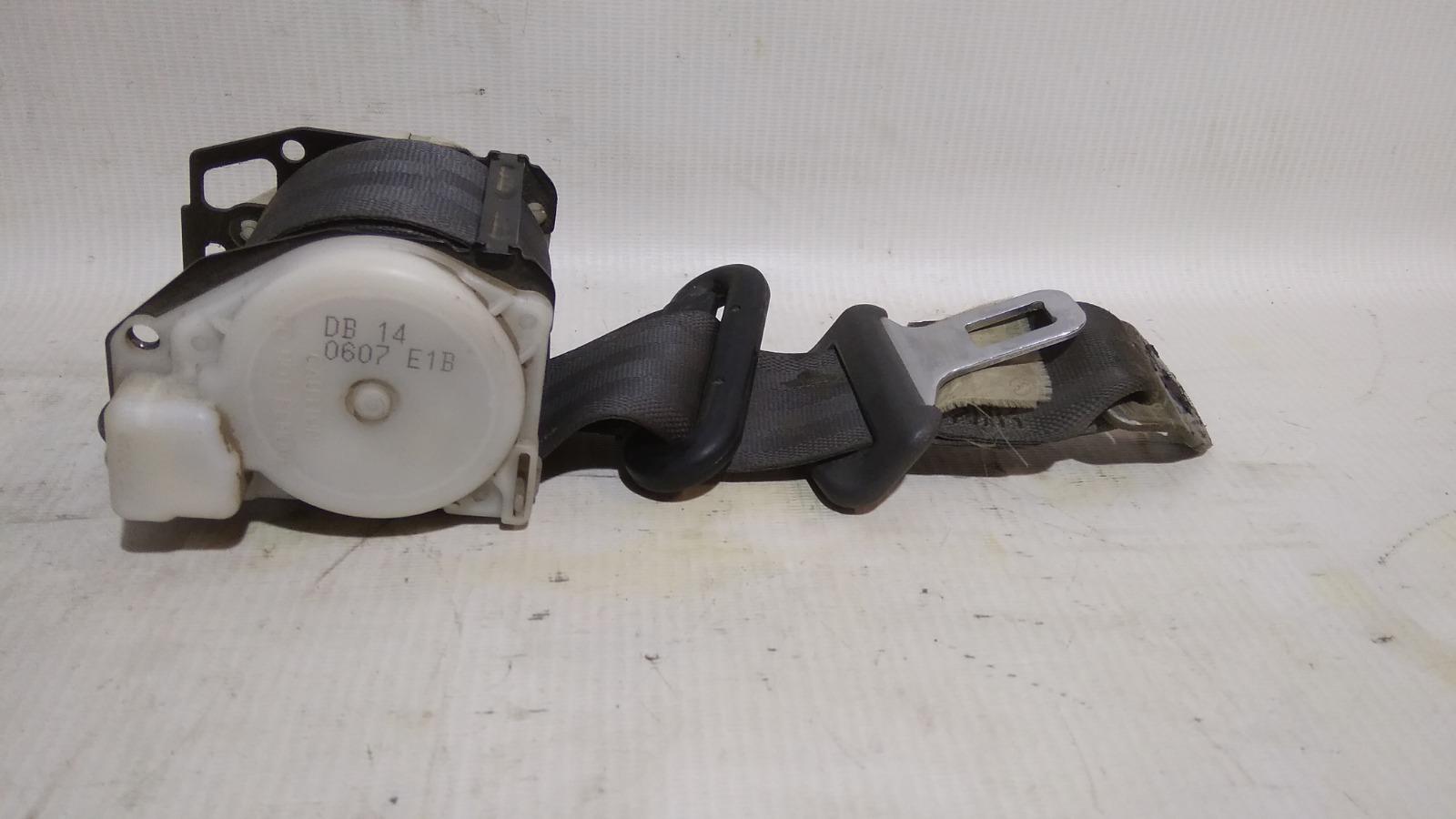 Ремень безопасности Mitsubishi Lancer CK2A 4G15 1999 задний правый