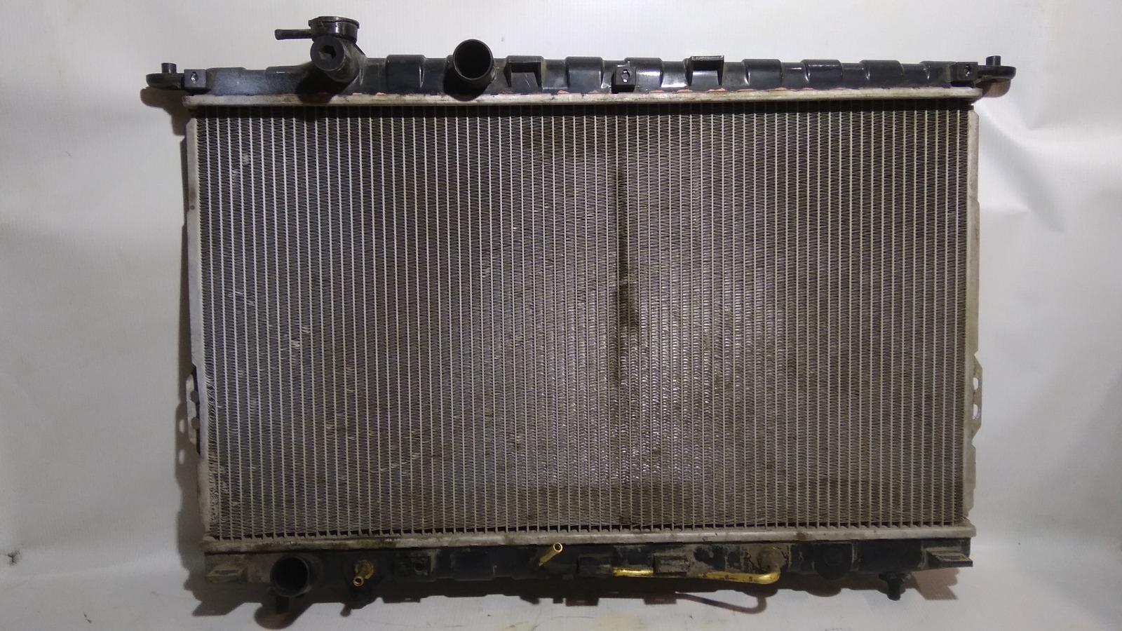 Радиатор охлаждения двигателя Hyundai Sonata EF G4GC 2004
