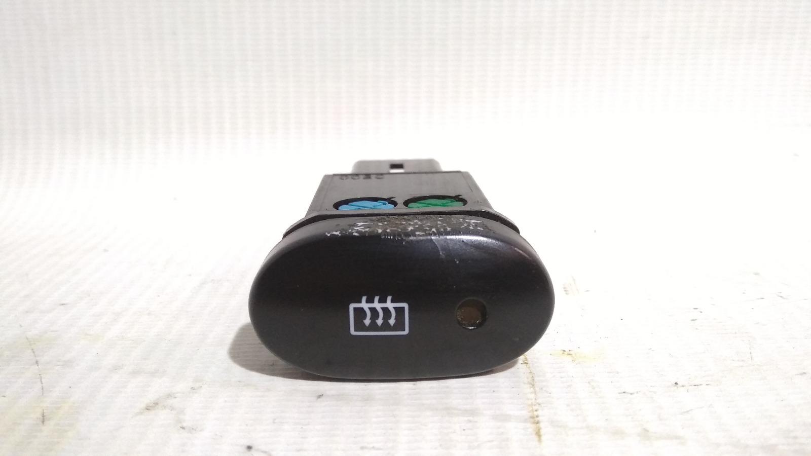 Кнопка включения обогрева стекла Daewoo Nexia KLETN A15SMS 2012