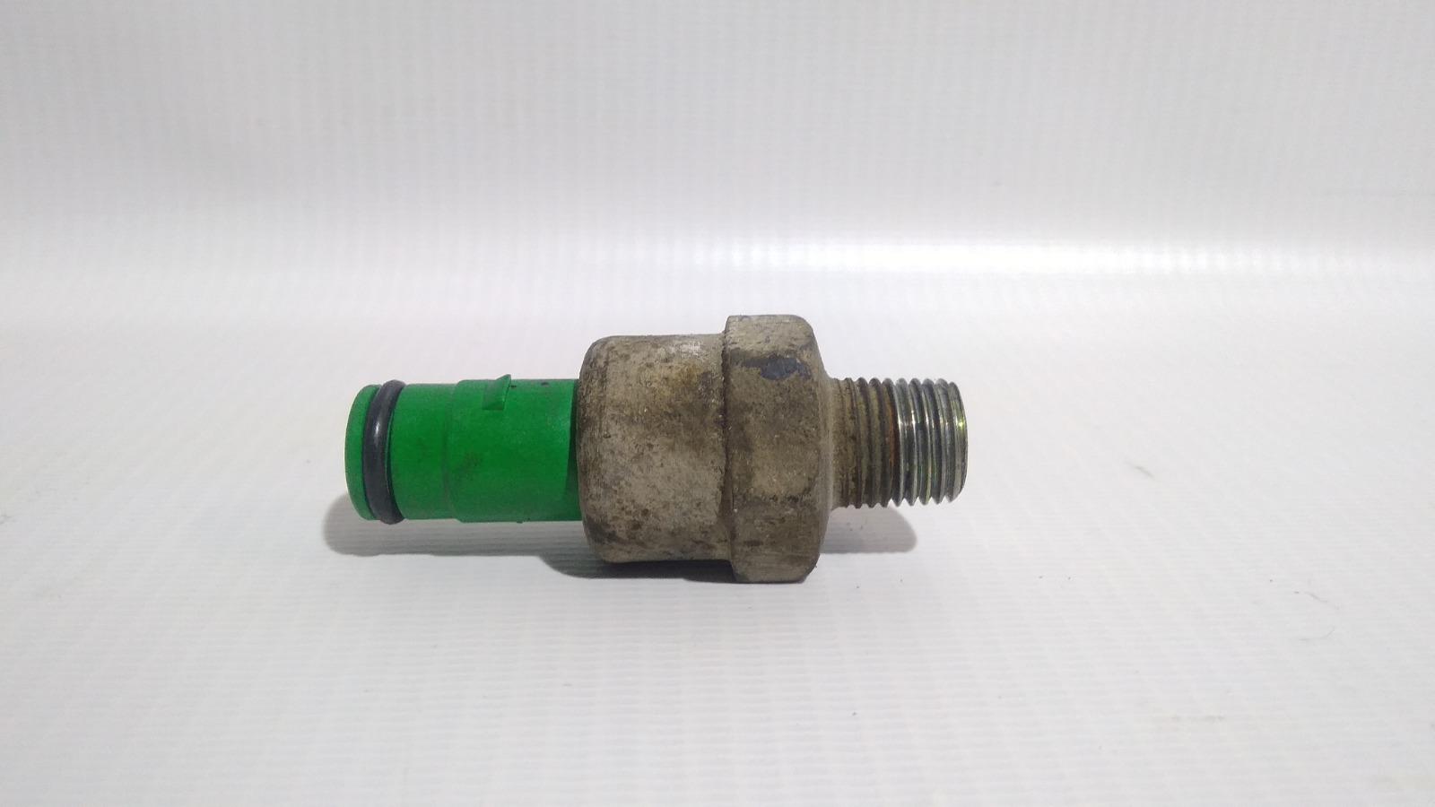 Датчик детонации Nissan Skyline ER33 RB25DE 1996