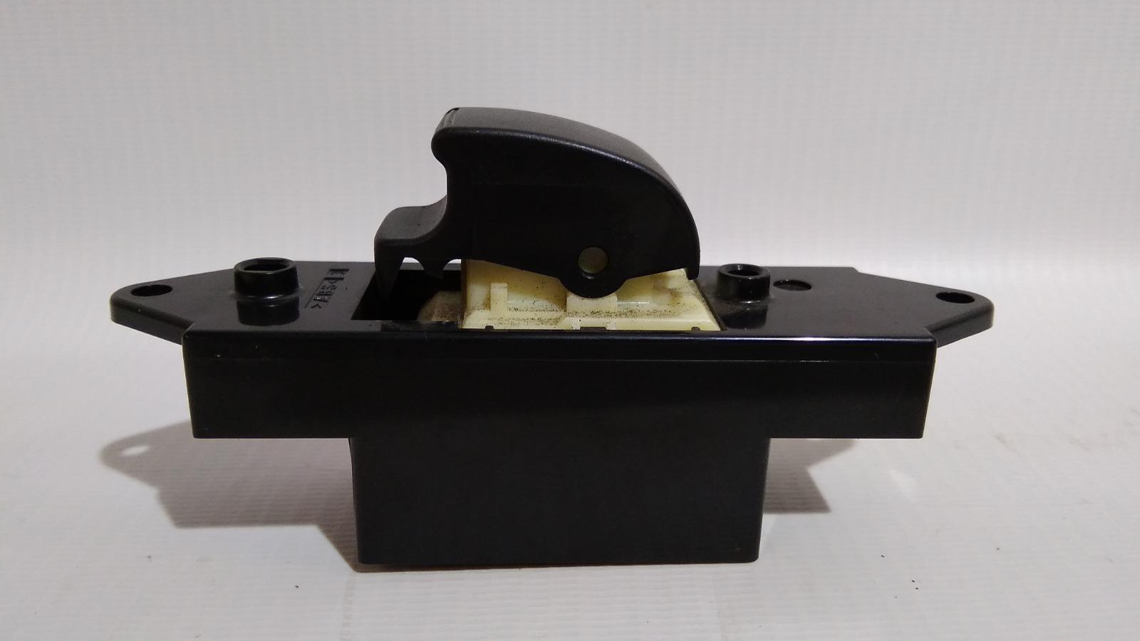 Кнопка стеклоподъемника Mitsubishi Galant Fortis CY4A 4B11 2007 задняя левая