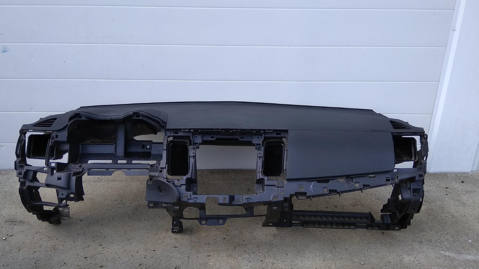Панель приборов (торпеда) Mitsubishi Lancer CY4A 4B11 2008