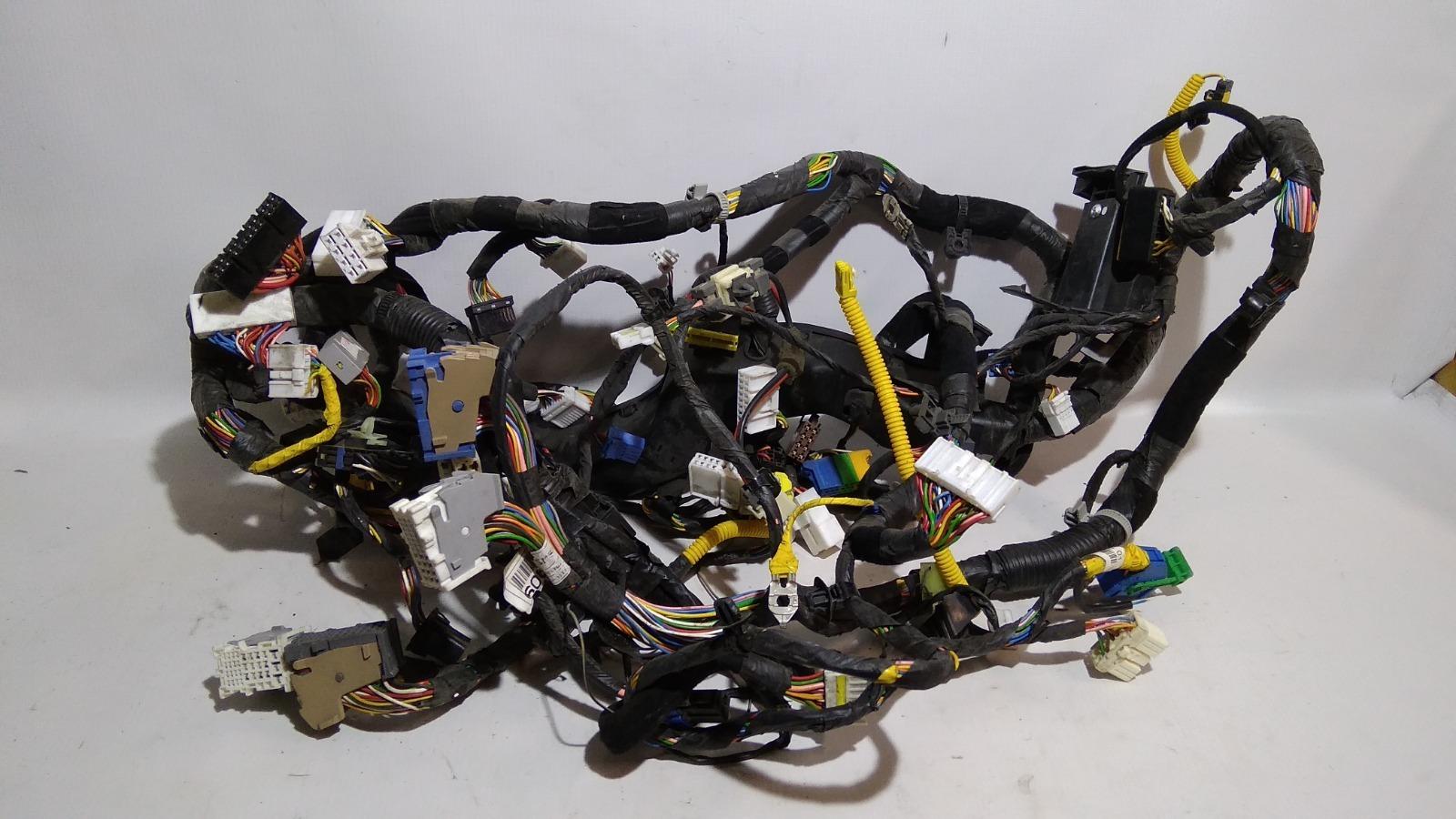 Проводка передней консоли салона Kia Ceed ED G4GC 2007 передняя
