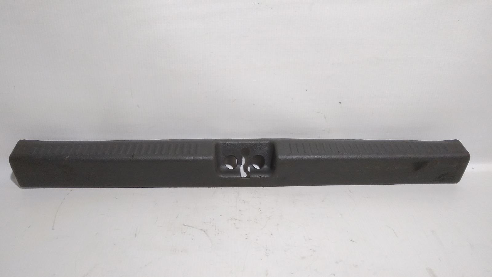Накладка замка багажника Mitsubishi Lancer Evolution CN9A 4G63 1997