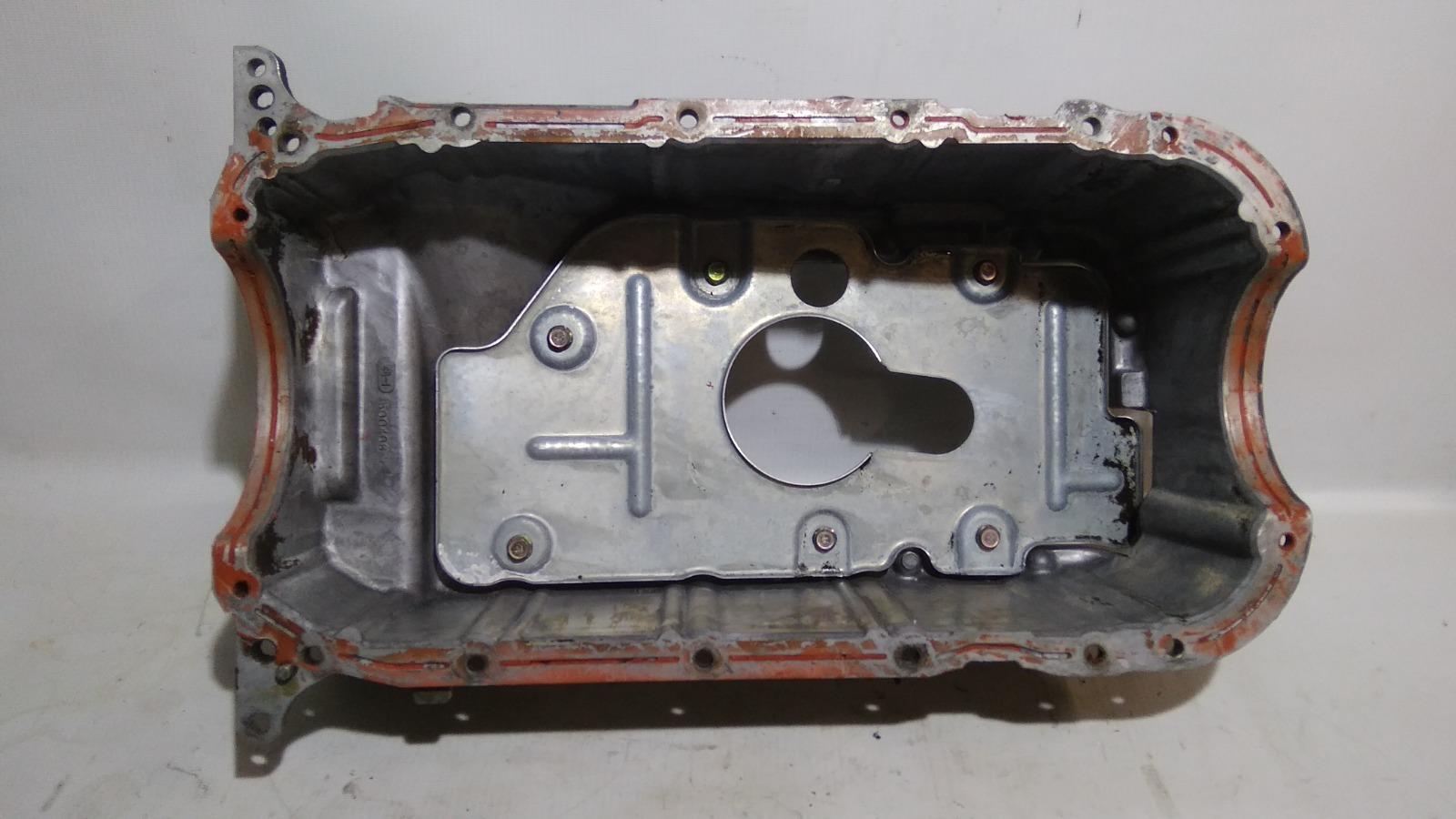 Поддон Mitsubishi Challenger K99W 6G74 1997