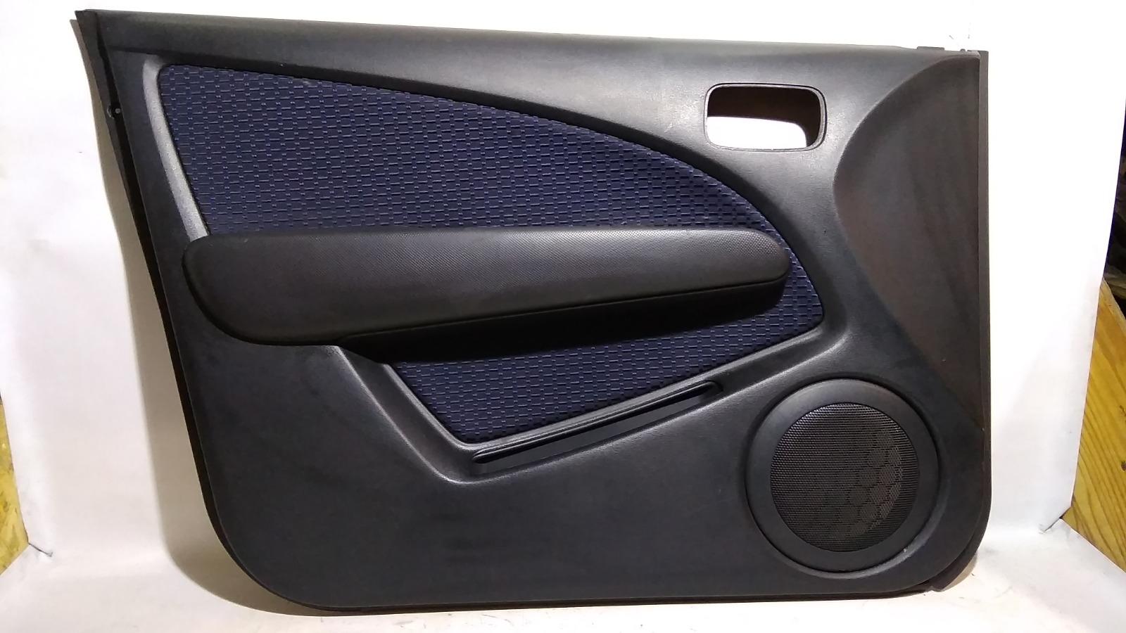 Обшивка двери Mitsubishi Airtrek CU2W 4G63T 2004 передняя левая