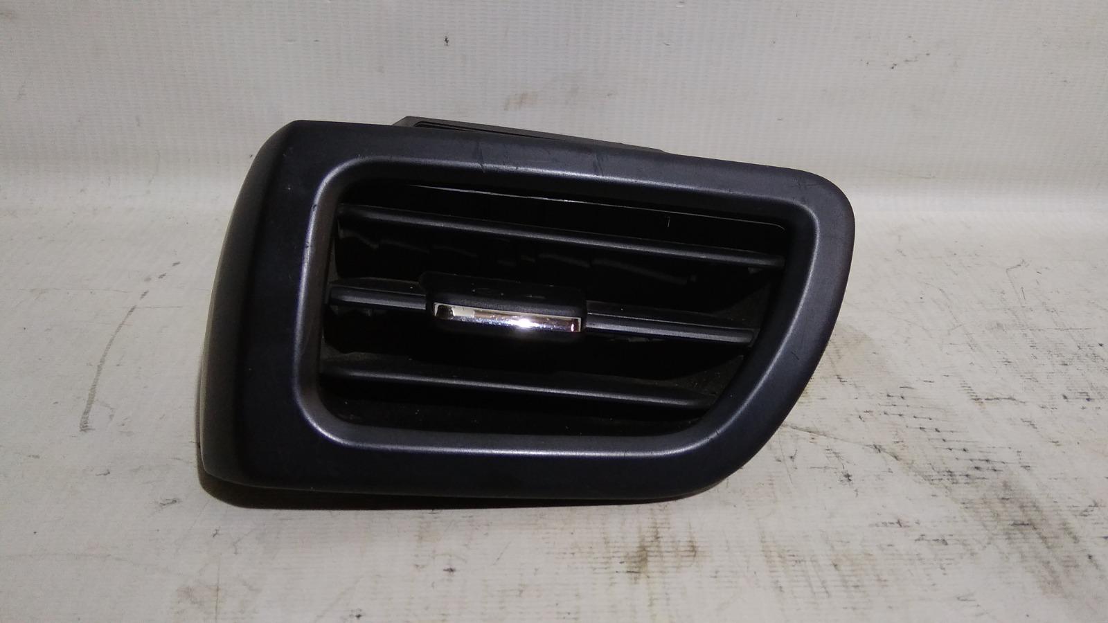 Решетка вентиляционная Kia Rio UB D3FA 2011 передняя левая