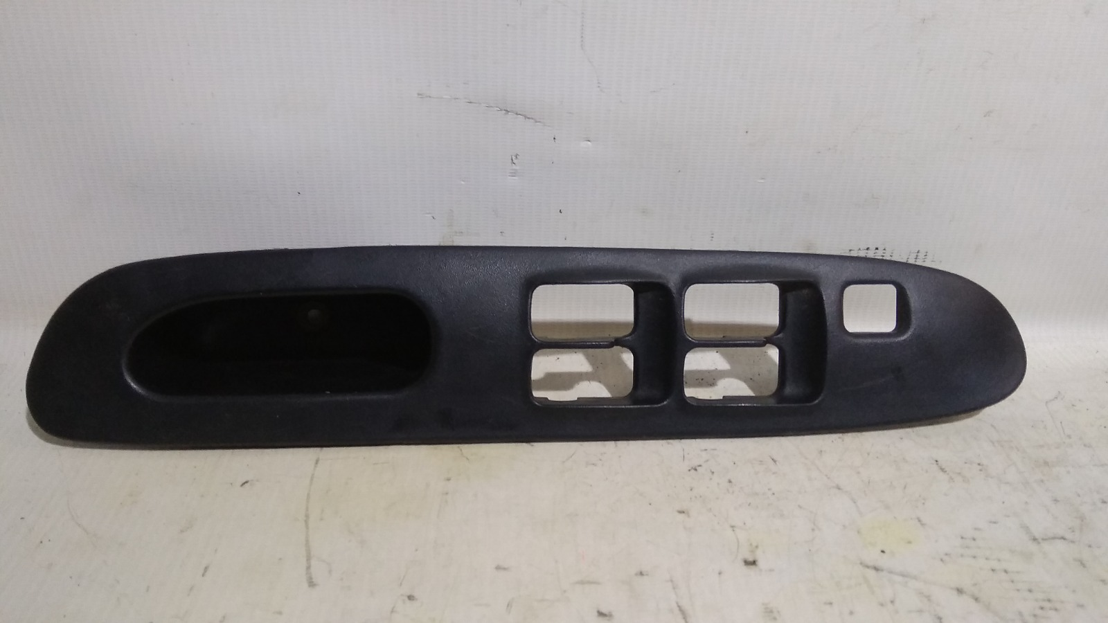 Накладка блока управления стеклоподъемниками Mitsubishi Lancer Evolution CN9A 4G63T 1997 передняя правая