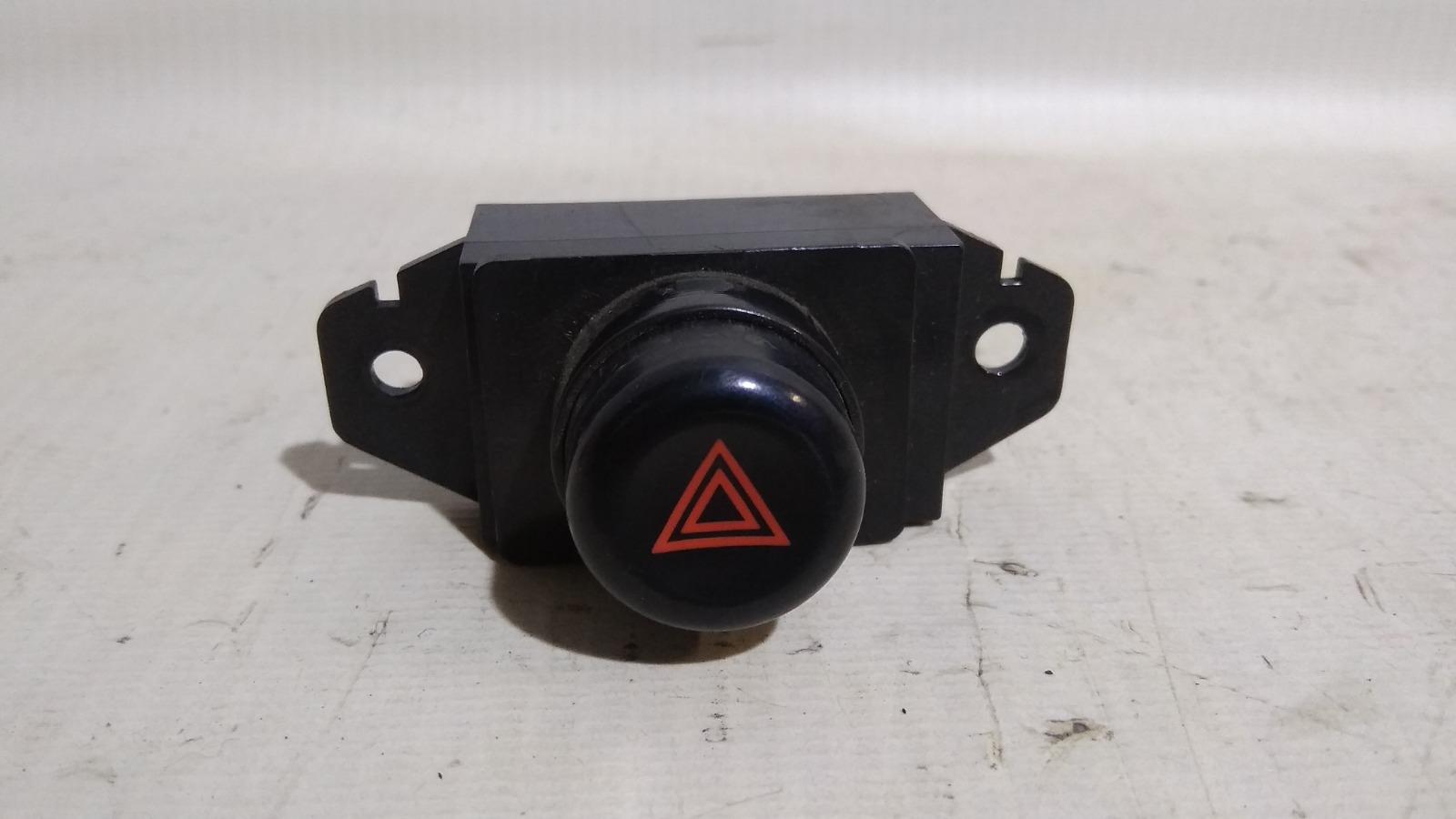 Кнопка включения аварийной сигнализации Mitsubishi Lancer CM2A 4G15 1996