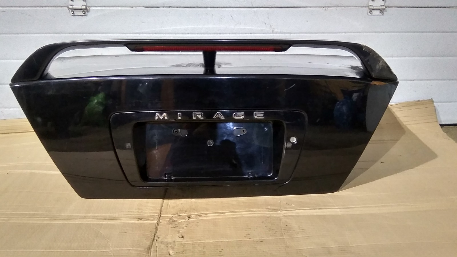 Крышка багажника Mitsubishi Lancer CM2A 4G15 1996