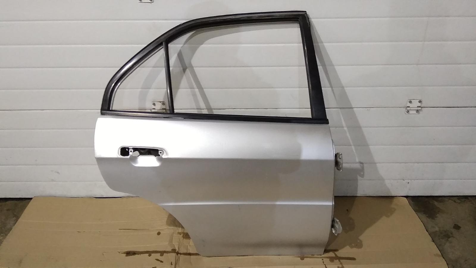 Дверь Mitsubishi Lancer CM2A 4G15 1996 задняя правая