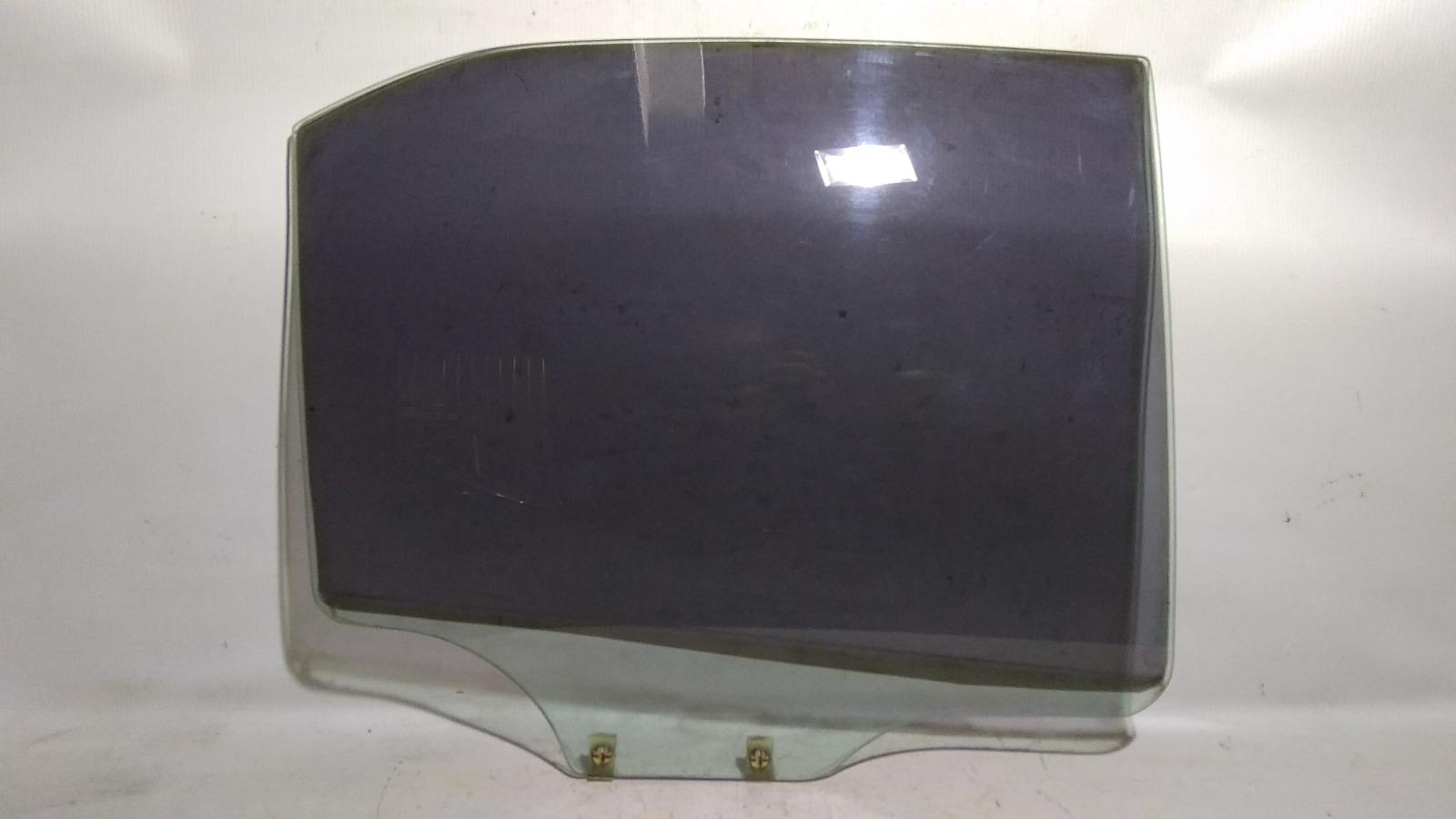 Стекло боковое Mitsubishi Lancer CK2A 4G15 1997 заднее правое
