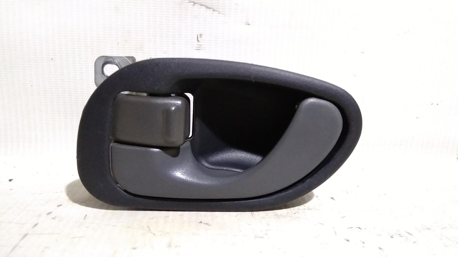 Ручка двери внутренняя Mitsubishi Lancer CM2A 4G15 1996 передняя левая