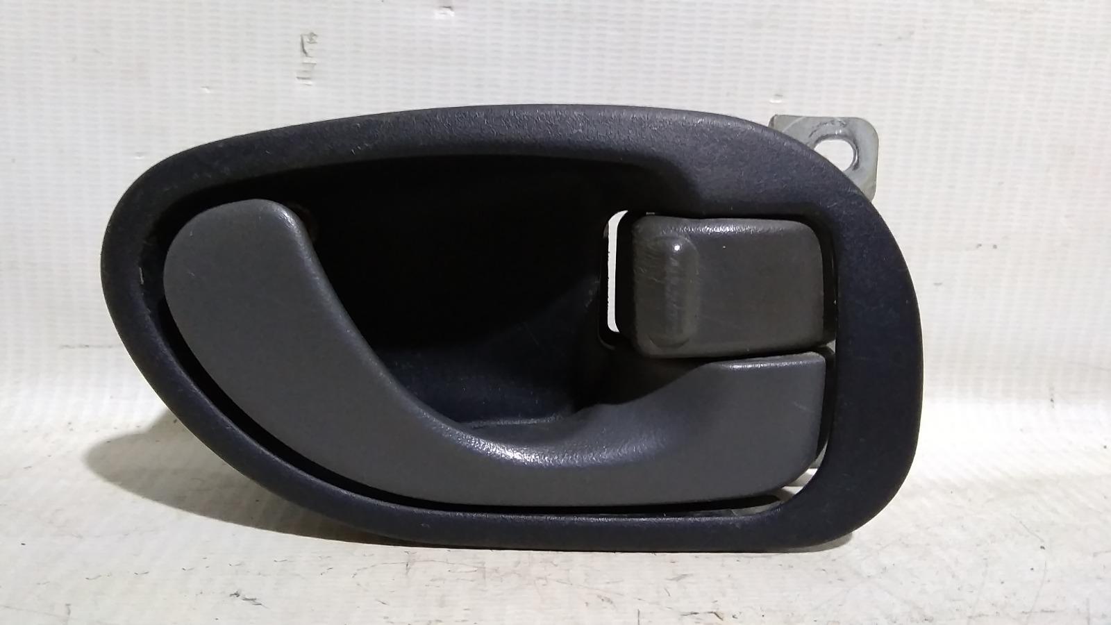 Ручка двери внутренняя Mitsubishi Lancer CM2A 4G15 1996 передняя правая