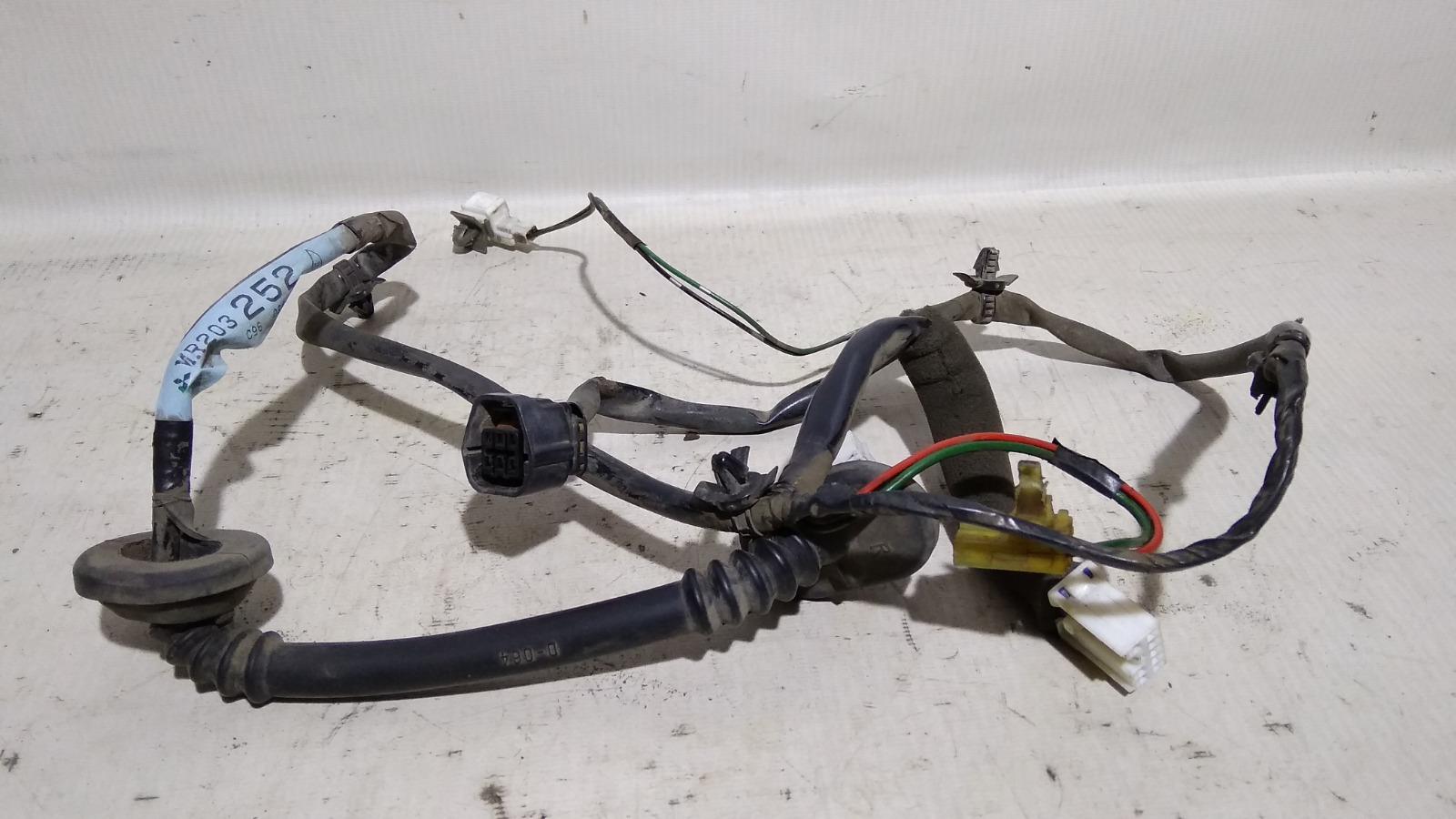 Проводка двери Mitsubishi Lancer CM2A 4G15 1996 задняя правая