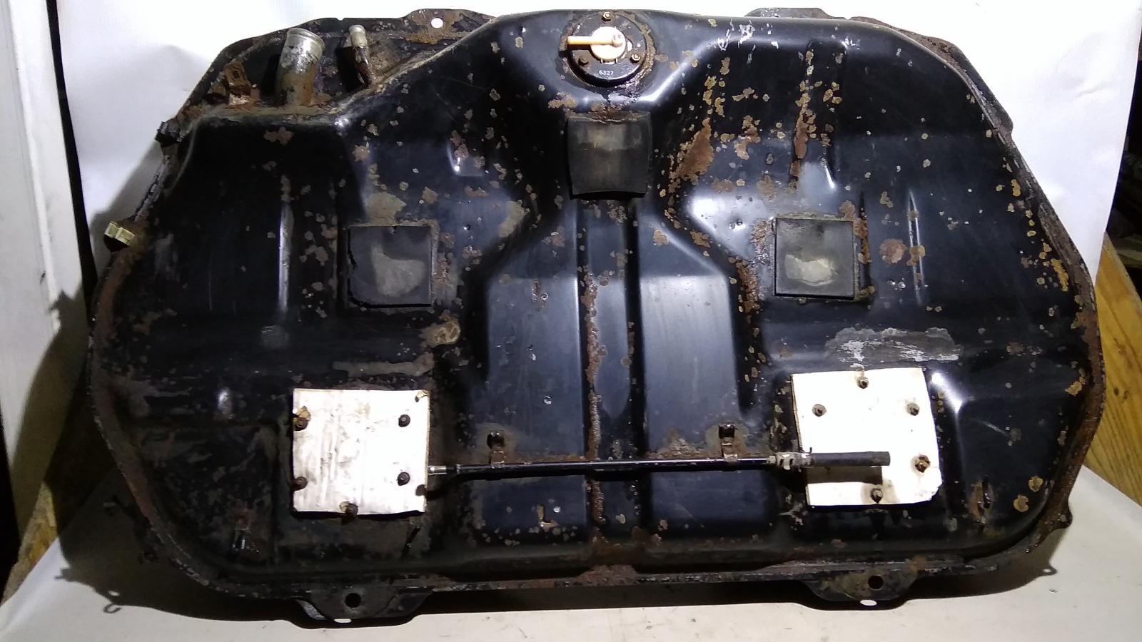 Бак топливный Mitsubishi Lancer CM2A 4G15 1996