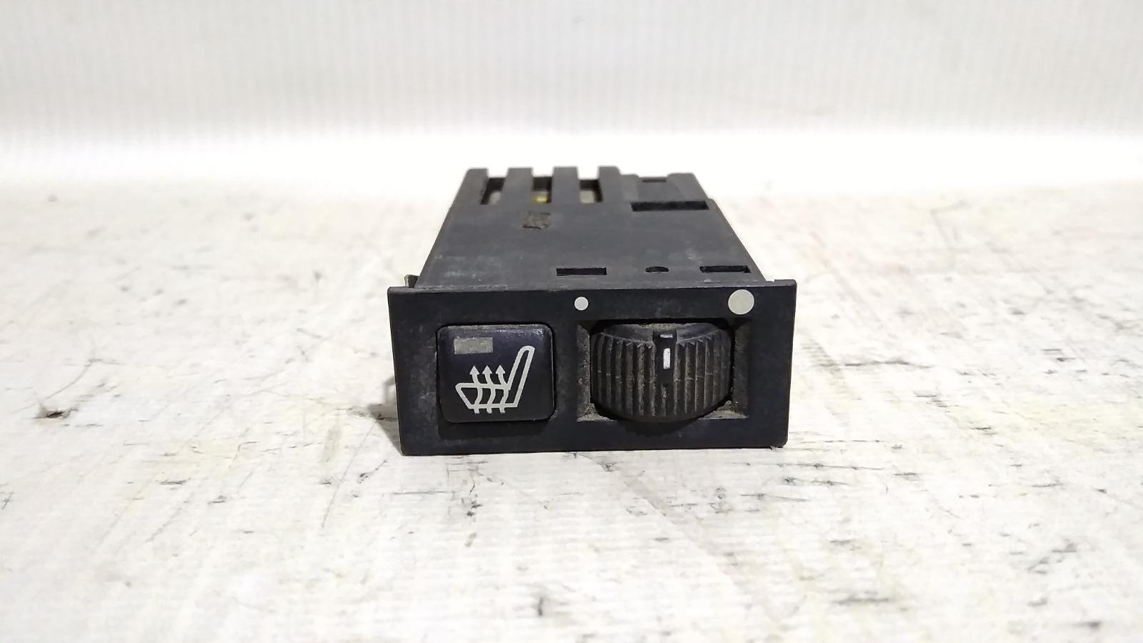 Кнопка включения обогрева сидений Bmw 5-Series E39 M52B25 1995