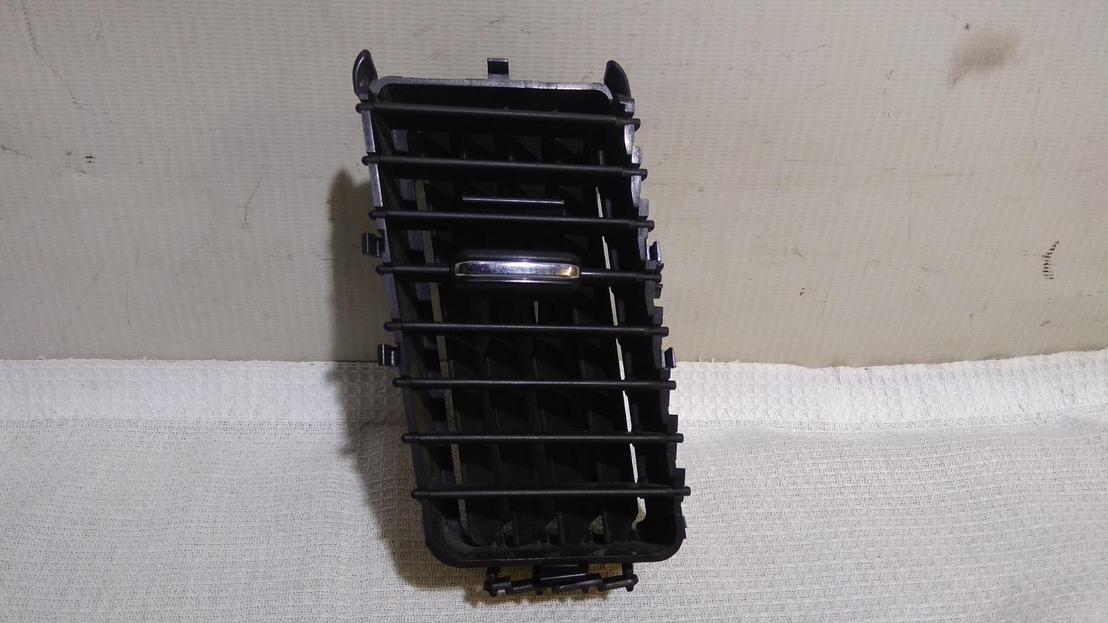 Решетка вентиляционная Mitsubishi Lancer CY3A 4B10 2008 левая