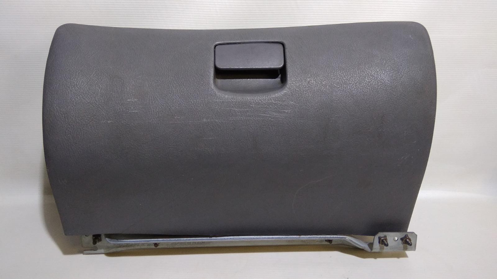 Бардачок Hyundai Accent LC2 G4ECG 2000