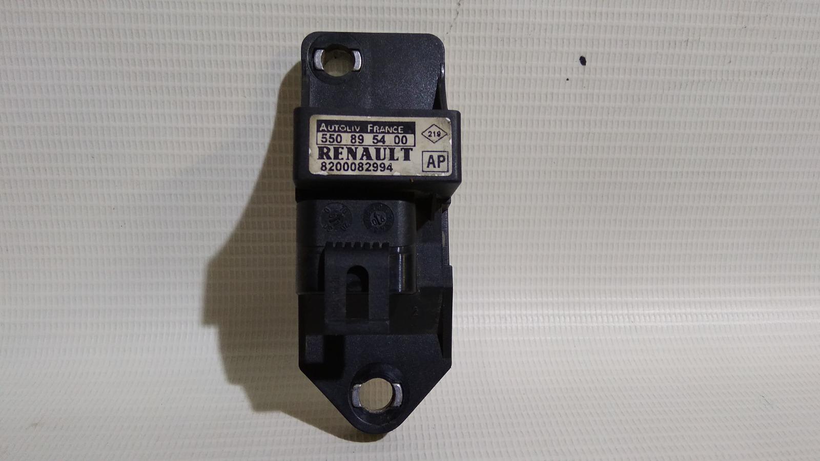 Датчик airbag Renault Megane LA K4M 1999