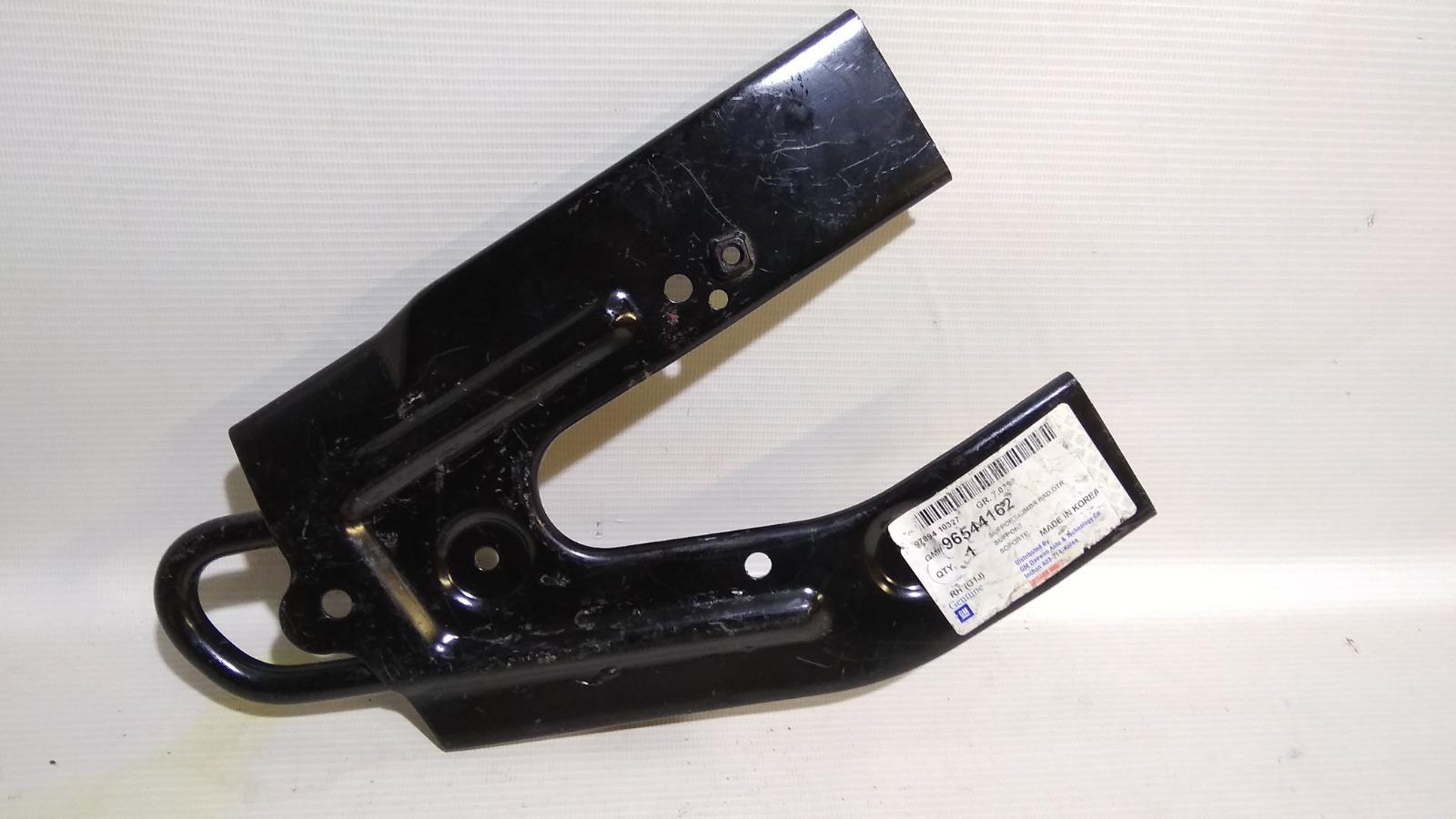 Кронштейн лонжерона Chevrolet Lacetti J200 F16D3 2003 правый
