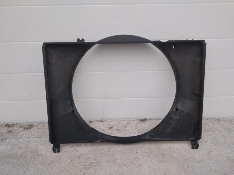 Диффузор радиатора Mitsubishi Challenger K99W 6G74 1997