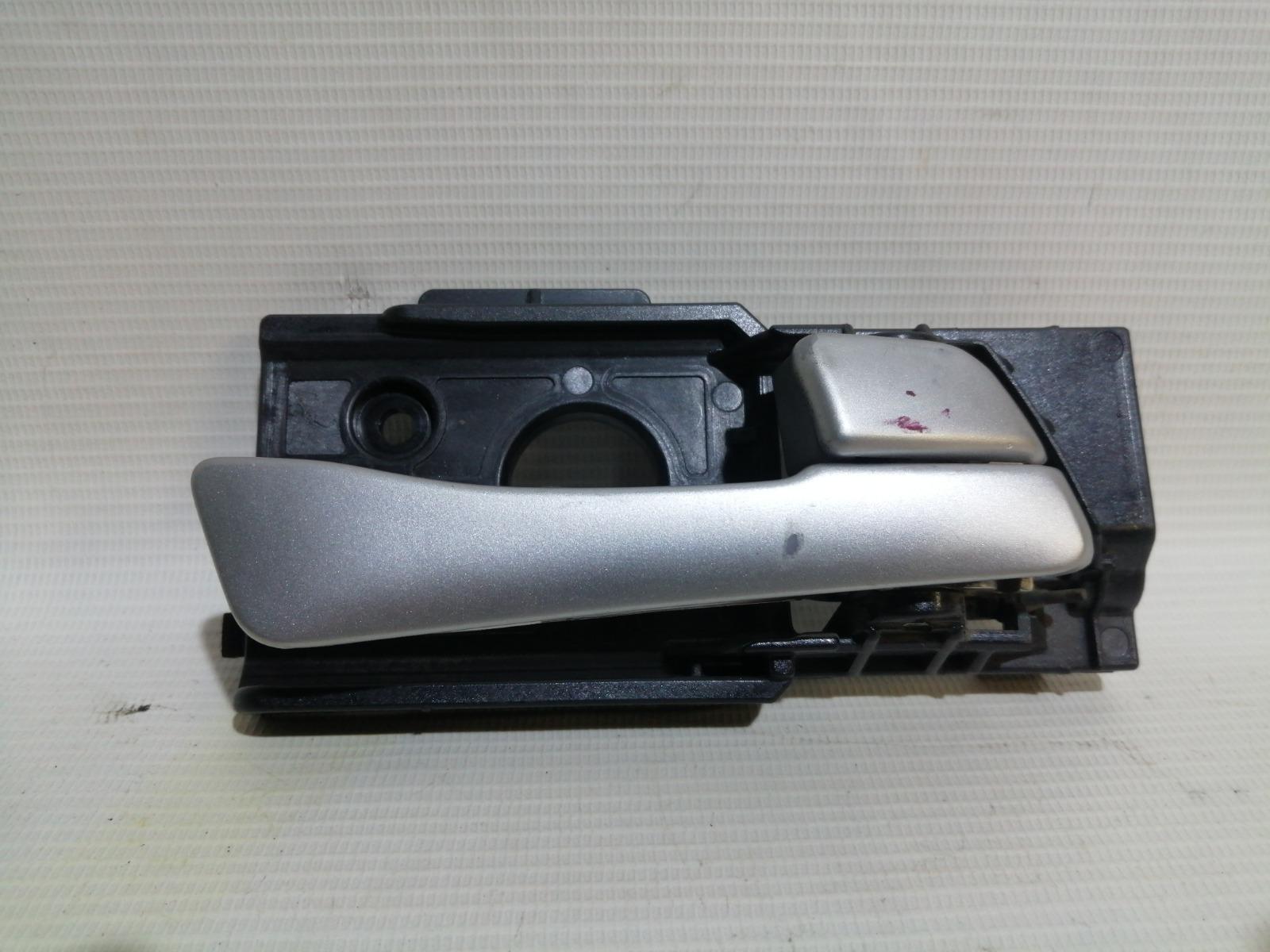 Ручка двери внутренняя Hyundai Solaris RB G4FA 2010 передняя правая