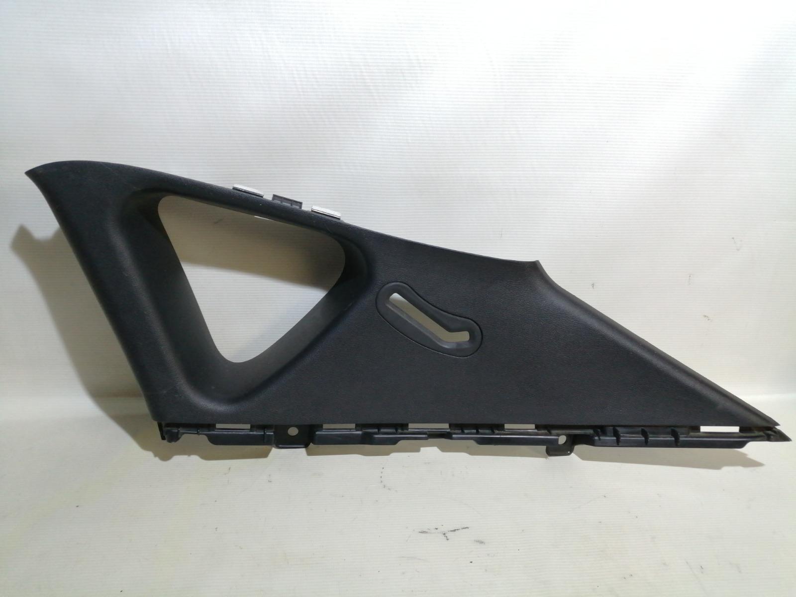 Накладка на стойку Hyundai Solaris RB G4FA 2010 задняя правая верхняя