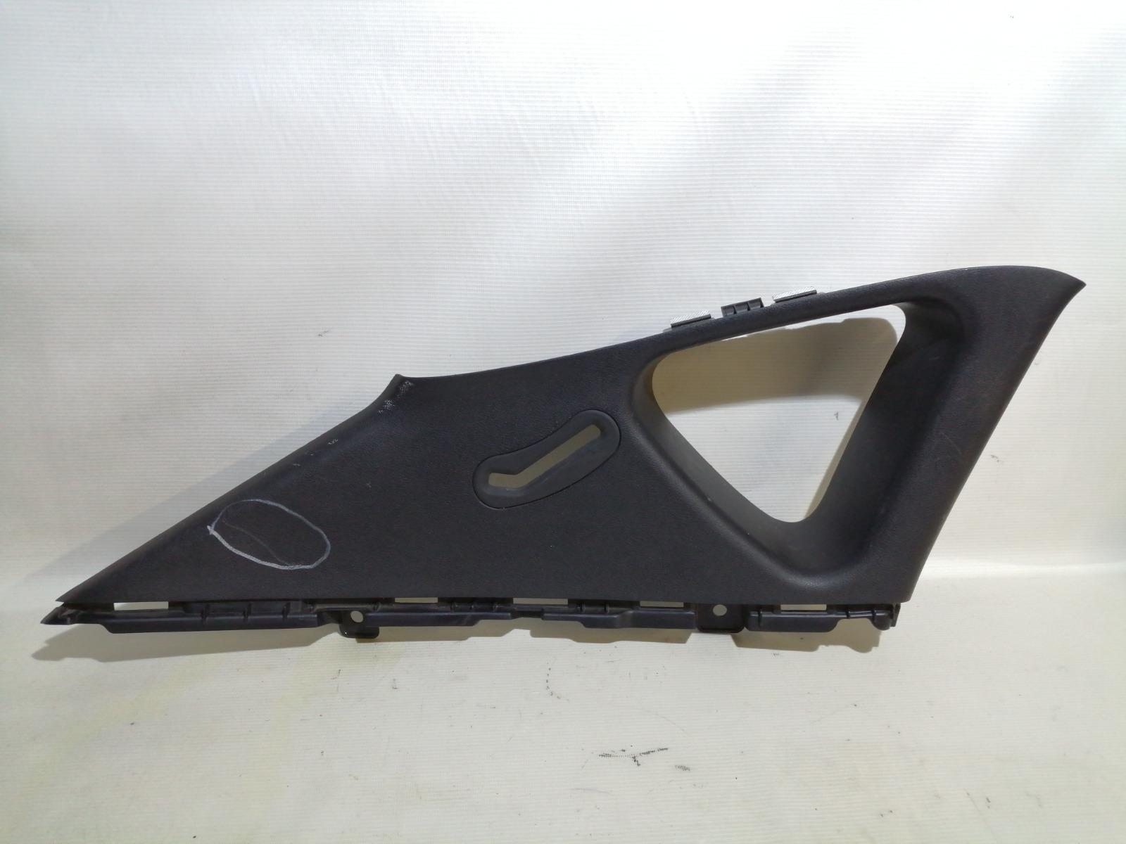 Накладка на стойку Hyundai Solaris RB G4FA 2010 задняя левая