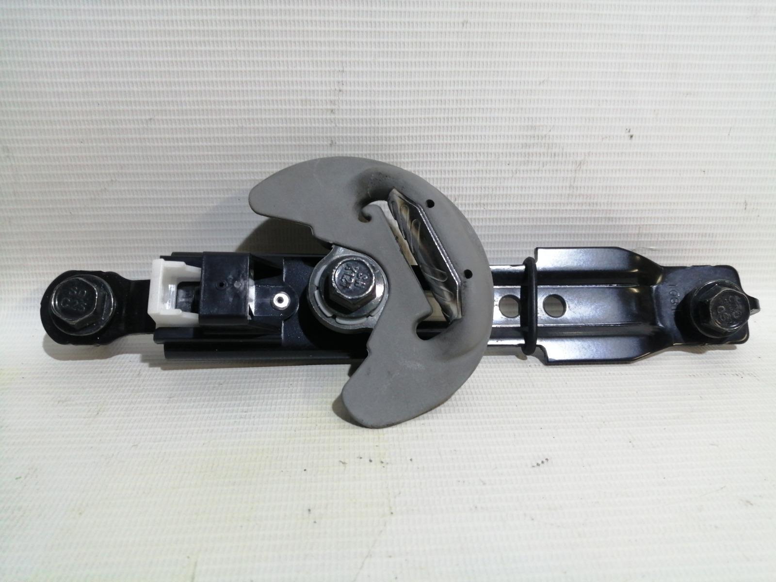 Механизм регулировки ремня безопасности по высоте Hyundai Solaris RB G4FA 2010