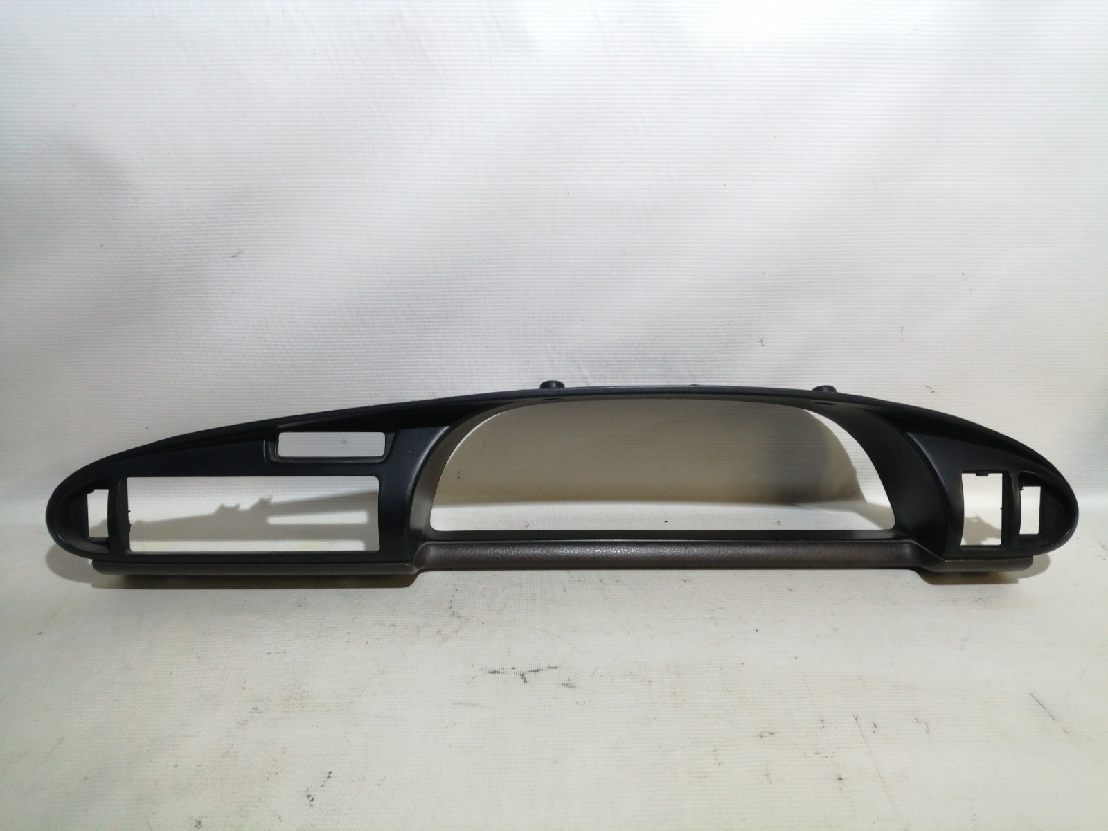 Консоль панели приборов Nissan Bluebird U13 GA16DS 1991
