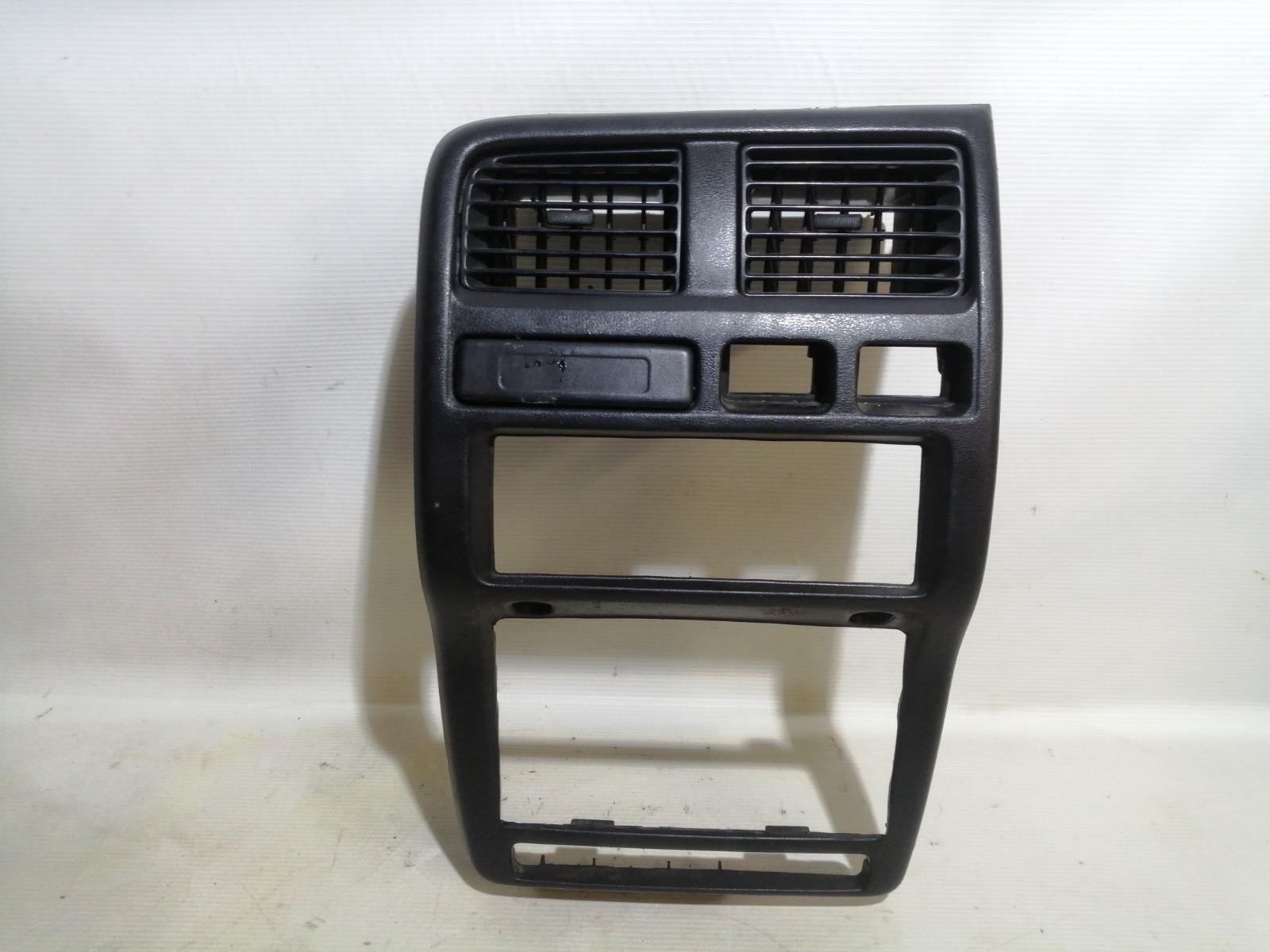 Рамка магнитолы Nissan Pulsar FN15 GA15DE 1999