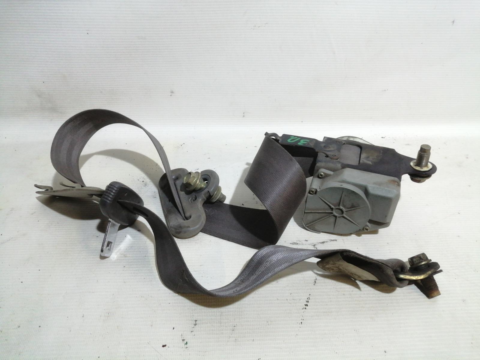 Ремень безопасности Nissan Pulsar FN15 GA15DE 1999 задний правый