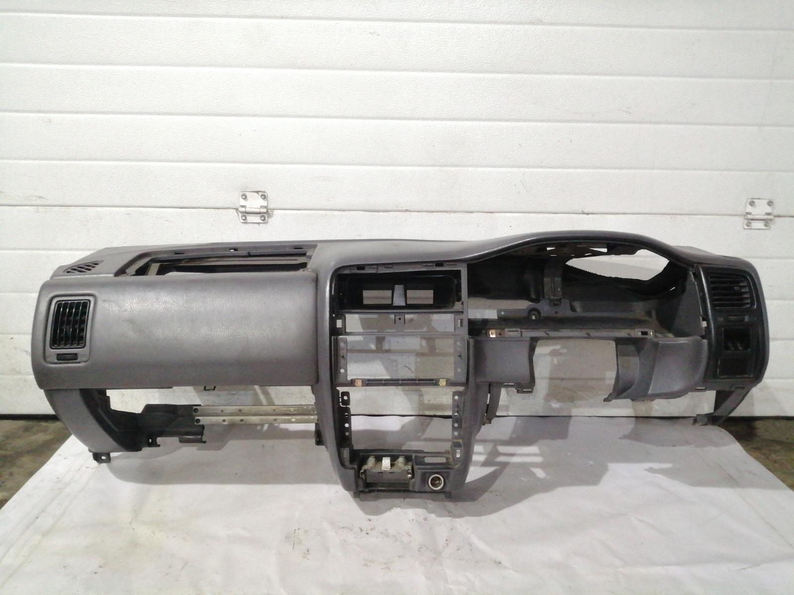 Панель приборов (торпеда) Nissan Pulsar FN15 GA15DE 1999